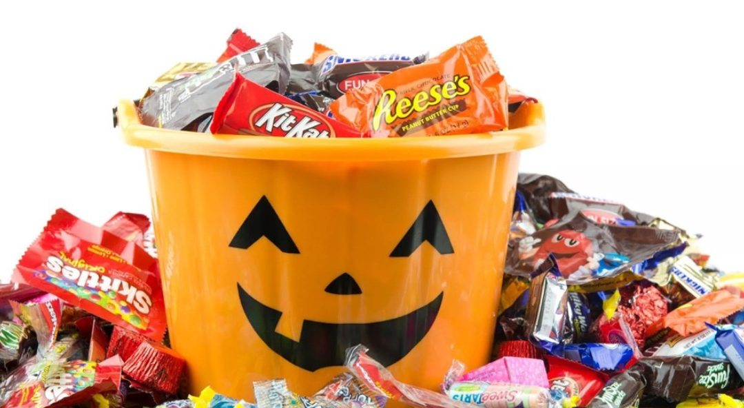 3 Tips To Avoiding Halloween Candy Overload!
